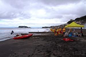 SURF90鎌倉LSCは七里ガ浜海岸のパトロールで運用している。危険航行するPWCを注意しに出動することがある。撮影:酒井いちろう